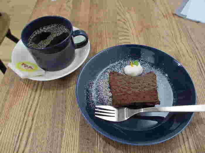 コーヒー大国の北欧人の愛するしっとりガトーショコラも美味しそうですね。