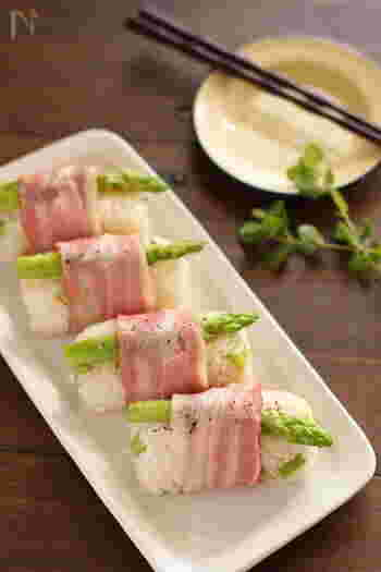 ありそうで無かった!?レシピですよね。  アスパラ、ベーコンをそのままオニギリにして、食べやすくなりました。  お弁当にも使えそう!