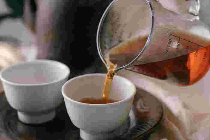 """仕事や家事などに追われてバタバタしている時も、お茶を一口味わうだけで、気持ちがふっと安らぎますよね。飲み慣れているいつものお茶もいいけれど、時には気分を変えて""""ちょっと珍しいお茶""""を選んでみませんか?"""