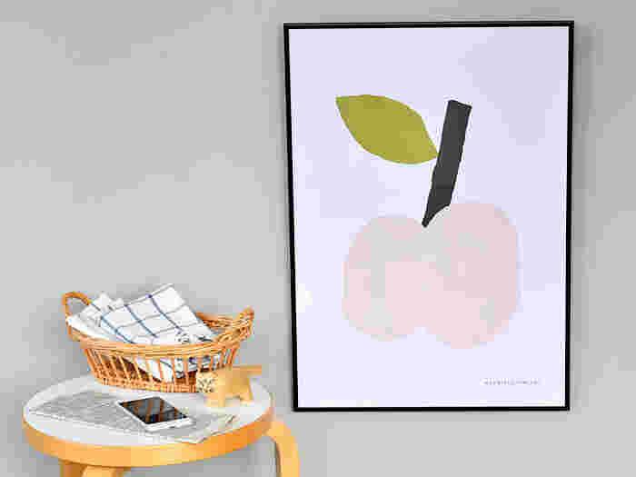 フィンランドの若手ブランド「kauniste」の人気デザインがポスターになりました。Tutti Fruttiは色々なフルーツが混ざっていますが、こちらはリンゴが主役です。優しい色合いと手描きのタッチがとってもキュート!
