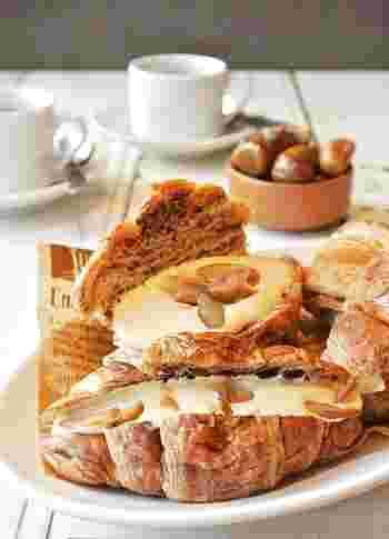 渋皮煮や甘露煮がないならこちら。カスタードクリームはあらかじめ作って冷やしておけば、お好みのパンに挟むだけと簡単!栗はパンと一緒にトーストすると甘味が増します。朝食にもおすすめですよ♪