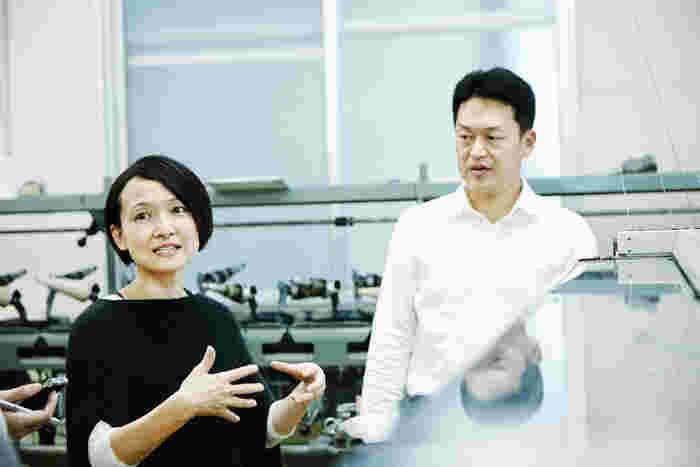 (左)「evam eva」デザイナーの近藤尚子さん、(右)代表の近藤和也さん