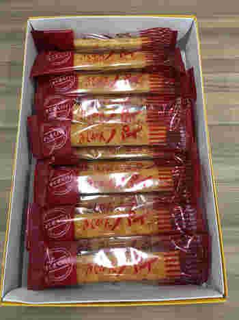 昔からの名古屋の定番土産といえば「きしめんパイ」。何層にも織り込まれた生地は、さくさくっと軽~い触感。甘さ控えめで、みんなでさくさく食べられちゃいます。
