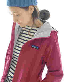 タウンユースからアウトドアまで着られる、高パフォーマンスのpatagonia(パタゴニア)のナイロンジャケット。保水性、透湿性を備えたアウトドア仕様で、寒さも雨もへっちゃらです。コンパクトに収納も出来るのも便利。とても軽いのに温かい機能性に優れた一枚です。