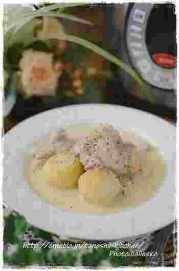 こちらのレシピはサラサラスープのクリームシチュー。 ナツメグは生クリームと一緒に追加熱のタイミングで入れています。