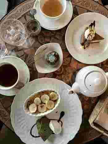 チョコレートケーキやチーズケーキなど、創業当時から続くケーキも人気です。浅草を代表するカフェで、隅田川を眺めながらのひと時を過ごしてみませんか?