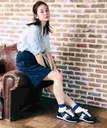 ツートンカラーのデザインが多く、靴下との組み合わせを考えるのも楽しそうなデザインです。