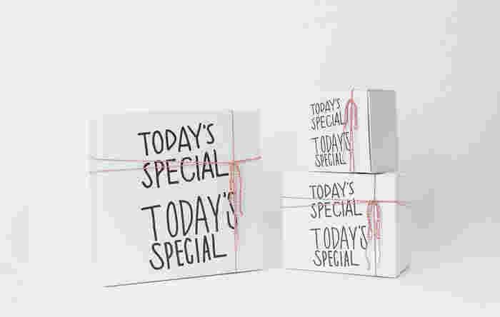 ■GIFT Box(有料) ギフトボックスにも、ロゴが大きくレイアウト。飾っておくだけでも絵になるオシャレさ!