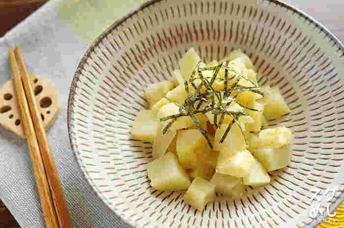 手早くできるお料理も小鉢に盛り付ければ、丁寧な印象に。一緒にお酒も楽しみたくなりそうですね。