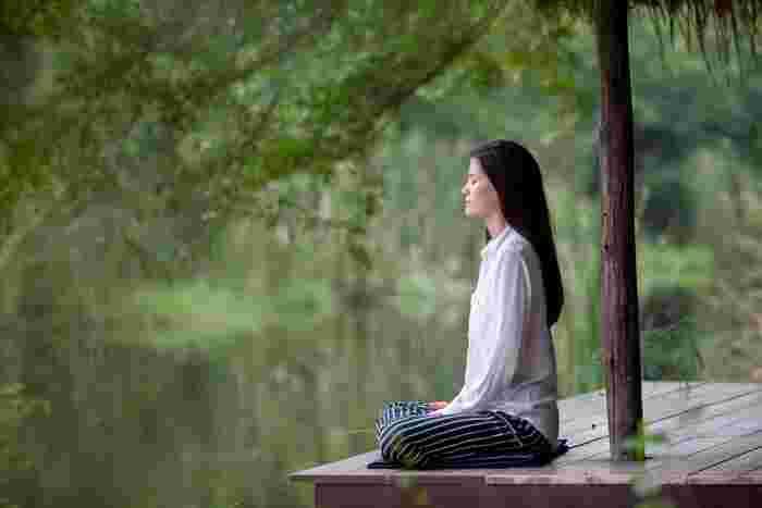 「禅」は信仰ではなく修行、とよく言われます。特定の神様をあがめるのではなく、生まれながらにして持つ「本来の自分」に立ち返ることを目指すのです。