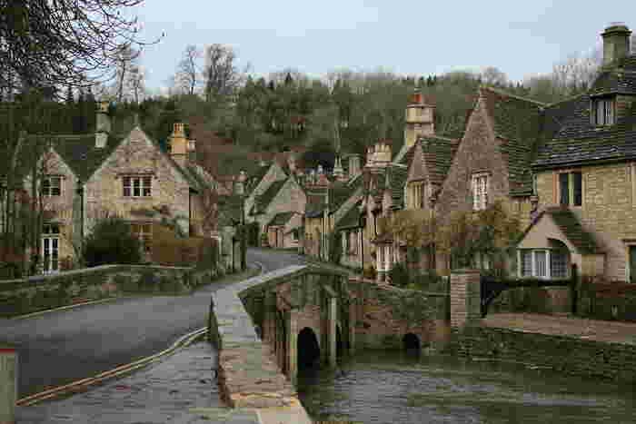 カッスル・クームはコッツウォルズ地方の中でも、「最も古い家並みが保存されている村」として有名な村です。