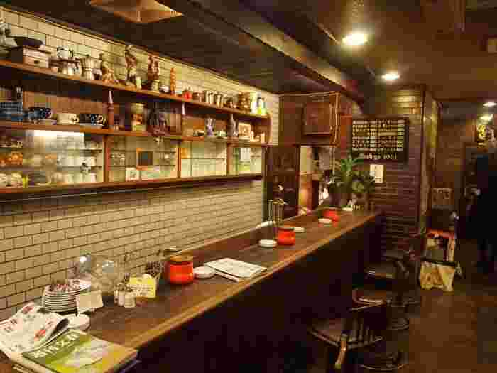 そんな大阪・難波は、地図を見ただけで分かるように、数えきれないほどのショップが軒を連ねていて、もちろん、カフェもたくさんオープンしています。今回は、その中でも人気のお店、中でも特にほっこりできるお店を選んでみました。ちょっと見つけにくい場所にあるお店もありますが、ぜひ一度訪れてみてくださいね。