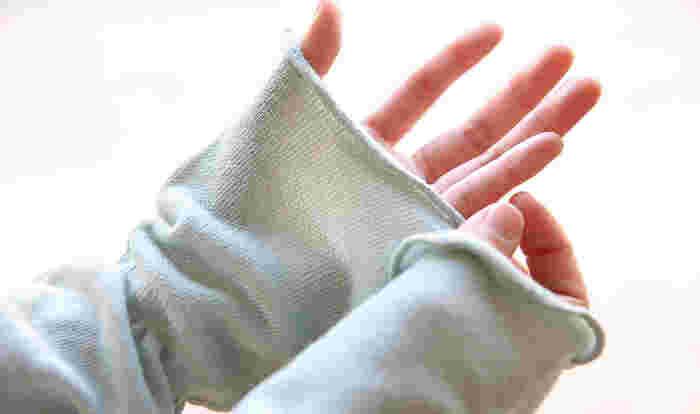 動きの多いアームカバーは、やはり品質の良いものを!腕全体をすっぽり包み込む長さなので、冷房対策はもちろん、油断して部分日焼け…なんて事も防げます◎