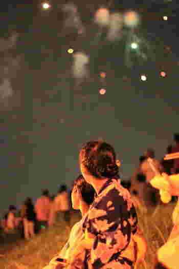 夏は、花火やお祭りとイベントが盛りだくさん。おしゃれなワンピースもいいけれど、日本人であれば美しく浴衣で夏を迎えたいですよね。