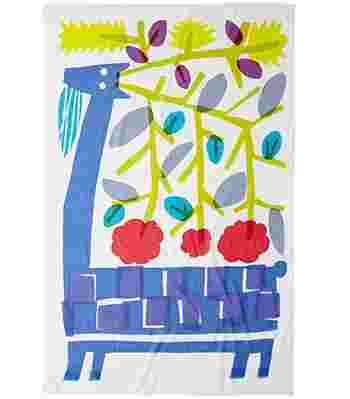 青い鹿の周りに咲き乱れる花々。「マリメッコ」の日本人デザイナー、鈴木マサル氏のプライベートレーベル「OTTAIPNU (オッタイピイヌ)」から、『BLOOMS』。