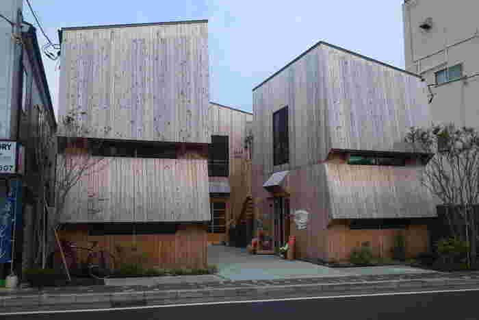 2018年に由比ヶ浜通りに新しくオープンした「ZUSHI-CURRY」は、店主がお隣の逗子出身ということから名付けられたカレー屋さん。
