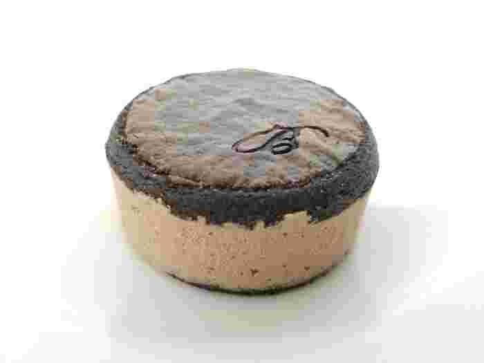 『ダブルチョコレート』は、ココアサブレにベルギー産のチョコレートクリームを挟んだ一品♪チョコ好きさんにオススメです*
