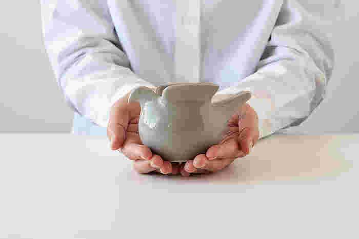 日本でも大人気のスウェーデンを代表する陶芸家、リサ・ラーソンによるハトのかたちのフリーポット。ころんと丸みを帯びたフォルムがかわいらしいですね。