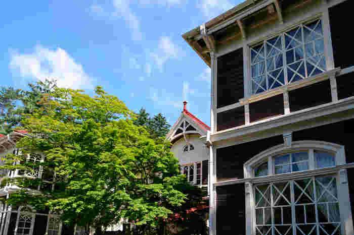 重要文化財にも指定されている「旧三笠ホテル」は明治後期に作られた西洋建築の木造ホテルです。開館当時は文化人や財界人が多く宿泊したといわれています。
