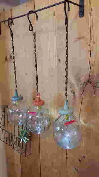 ちょっと手間をかければ、こんなに可愛いライトだってできちゃうんです。 空き瓶のリメイクだなんて思えないくらい可愛いですね!
