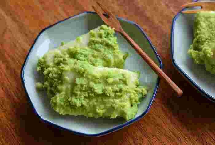 鮮やかな緑色が目にも爽やかな夏のお菓子「ずんだ餅」。ずんだ餡は、意外と簡単に自分でも作れます。お好みの甘さ加減で作って、「ずんだシェイク」や「ずんだアイス」に応用して楽しむのもいいかも♪