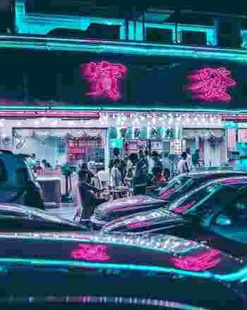 深圳の住人の95%が他の地域からやって来た人だと言われているほど、深圳人の出身地は様々。それは、それだけ持ち込まれた郷土料理の種類が豊富だということ。本場の人間が美味しいと思う本場の味を提供するお店が軒を連ねているため、深圳は中国でも類をみないグルメ都市になっているんです。 深圳で食べるべき美味しい料理は、広東料理、四川料理、湖南料理、湖州料理、客家料理、港式茶餐庁(香港式の飲食店)の6種類。