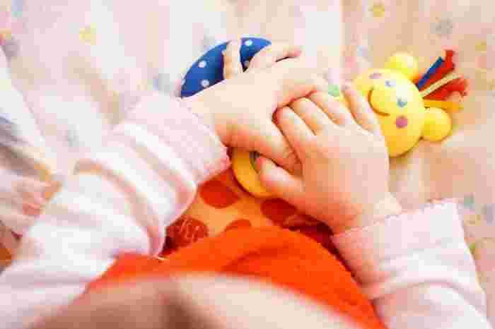 """Photo on [Visualhunt](https://visualhunt.com/re4/7b1c07d1)  赤ちゃんの時期を過ぎた頃になってくると、少しずつ必要になってくる""""しつけ""""。子どもが困らないように、ルールやマナーを教えていくことは大事なことです。でも、夫婦で考えが違っていたり、どこまで許していいのか、しつけって何歳から始めるの?、としつけ方に迷いや不安が出てくることも多くあります。"""