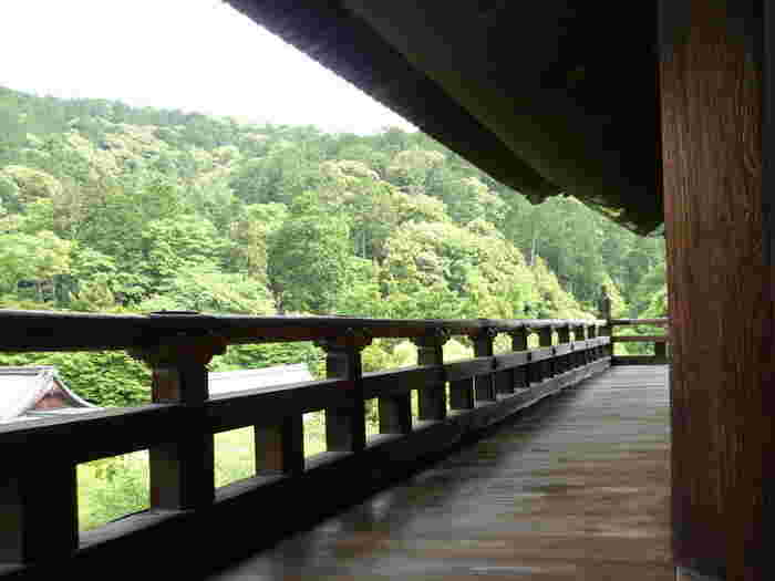 上層の楼は五鳳楼と呼ばれ、ここに上ると回廊を一周することができます。
