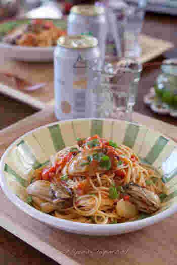 保存食としてつくり置きしたオイル漬けを使えば、手軽に牡蠣のパスタをつくれますよ。塩分は塩麹をプラスして調整しています。