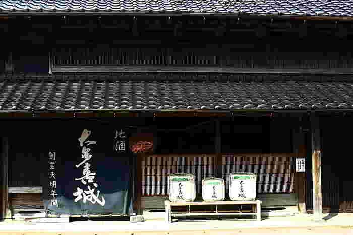 大多喜は「房総の小江戸」と呼ばれる城下町で、徒歩圏内に江戸時代や明治時代の古い建物が点在しています。 ゆっくりと江戸の風情を満喫してください。