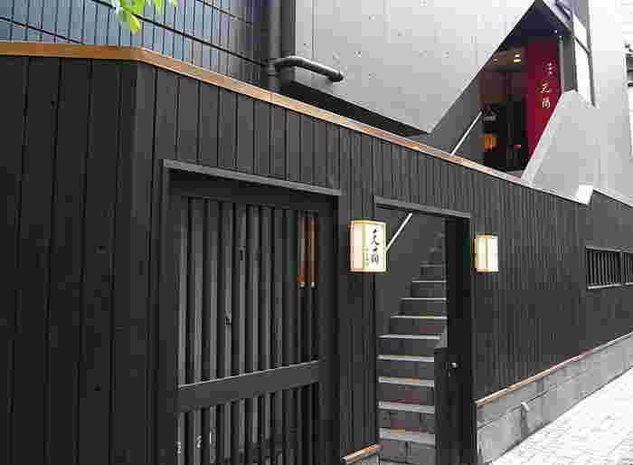 かくれんぼ横丁にある中華料理店「神楽坂芝蘭(チーラン)」は、神楽坂で中華といえばここ!と言われるほどの名店です。