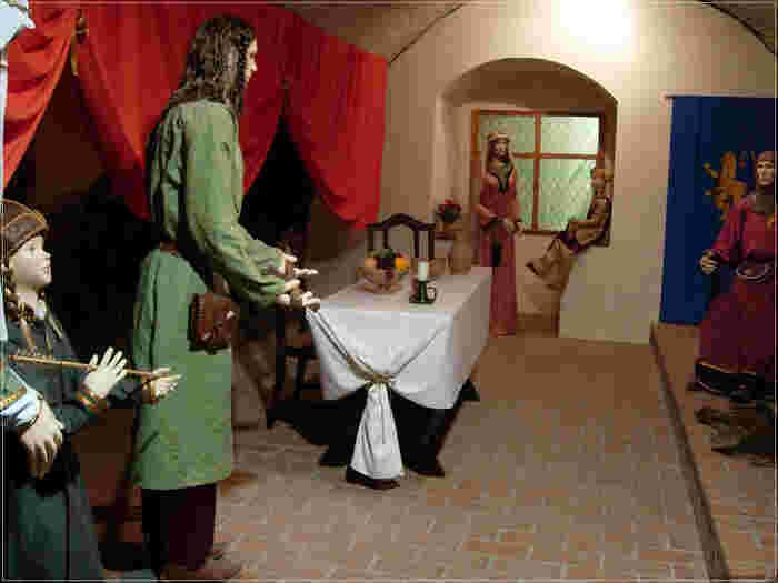 城内では、ホッロークーに住むパローツ人と呼ばれる人々の伝統的な暮らしぶりや歴史が展示されています。