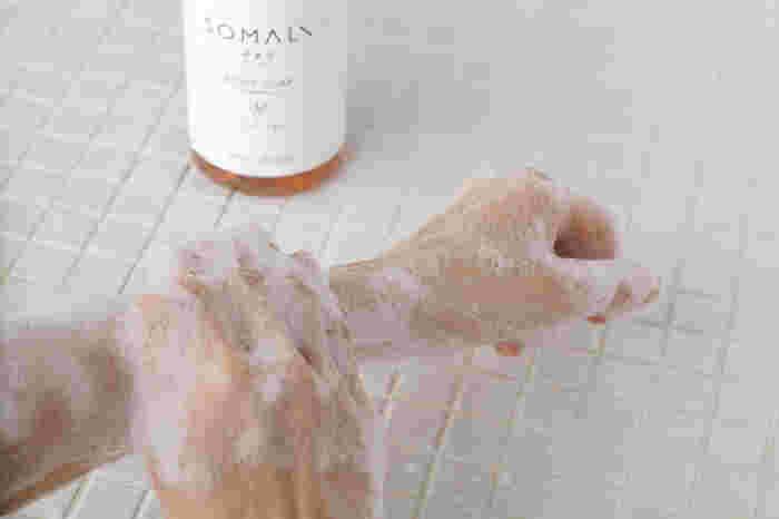 素材のかたまりからきた「ソマリ」のブランド名の通りに、必要最小限の天然素材のみを使用した、シンプルなボディ用液体石けんは、天然由来の保湿成分が配合されており、しっとりとした洗い上りで洗浄効果も肌への優しさも◎。