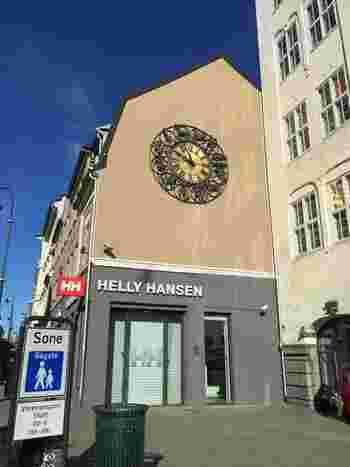 ノルウェーの「HELLY HANSEN(ヘリーハンセン)」は、水に関わりの深いブランド。おもにマリンスポーツなどのアイテムが有名ですが、登山ウェアもそろっています。