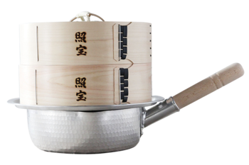 このようにセットします。これなら特別な器具がなくても、家にある鍋と一緒に使えますね!