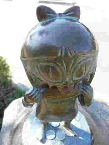 この「水木しげるロード」の見どころと言えば、妖怪ブロンズ像!なんと177体もの妖怪ブロンズ像が立ち並びます。