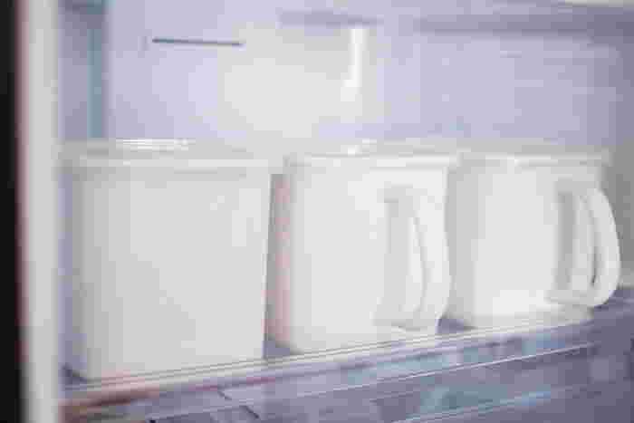 便利な持ち手つきのタイプは、毎日使う塩や砂糖、味噌などの保存におすすめです。さっと取り出せてとっても便利。