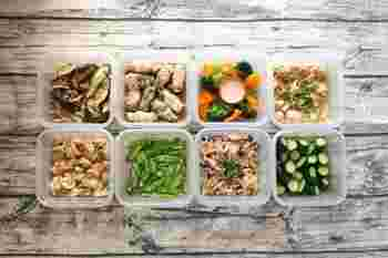 衣食住は暮らしの基本。だけど、日々のことだから、食事だって簡単に作ってもいいんです。ちょっと元気がある日についでに作っておいたもの、多く作りすぎたものを冷凍保存しておけば、ご飯の準備がラクに。あくまでも、「作り置きを頑張る」のではなく、「できるときにできたもの」にしておきましょうか。