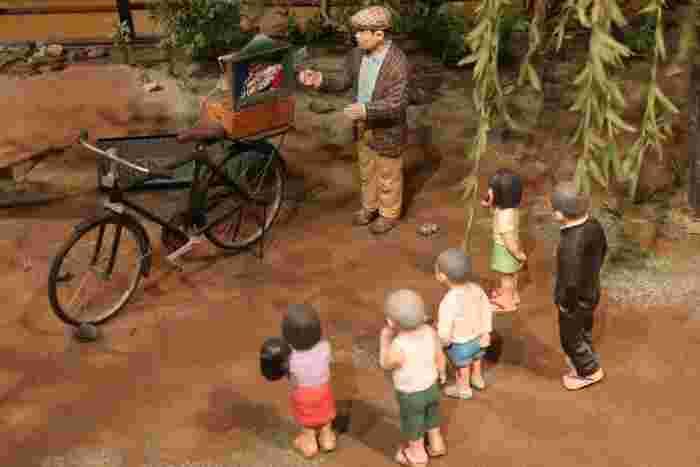 6つのジオラマで綴る、再現ジオラマ『柴又帝釈天参道』コーナー。隅々までつくりこまれたジオラマで、寅さんの子ども時代から葛飾柴又に帰ってくるまでの20年間を追体験できます。お年寄りには懐かしく、若者には新鮮な風景ばかり。