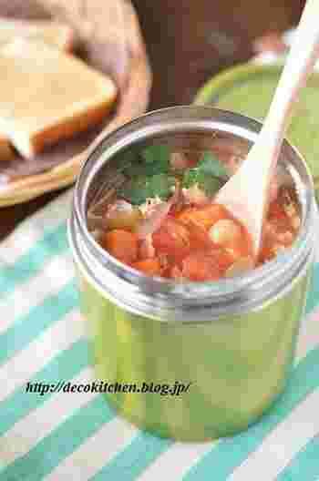 ガスを使わずに出来る本格スープ。お野菜とお豆たっぷりのヘルシースープです。