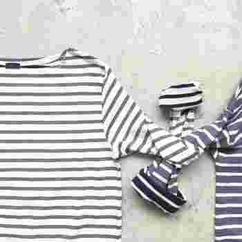 夏らしく爽やかなコーディネートになるボーダーTシャツ。