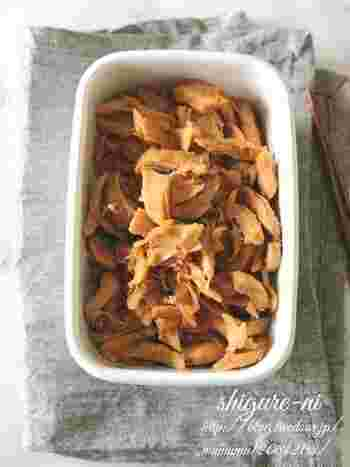 甘辛く煮た鳥のささみの常備菜。パンに挟む時はマヨネーズもプラスすると、美味しさもさらに倍増しそうですね!