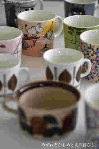 スポンジではなかなかきれいにならないコップや湯飲みの底にこびりついた茶渋。これもシュロたわしを使うと、ほどよいしなりできれいに茶渋を落としてくれます。毎日の洗い物でも、シュロたわしを使っておくと、茶渋知らずのコップになります。