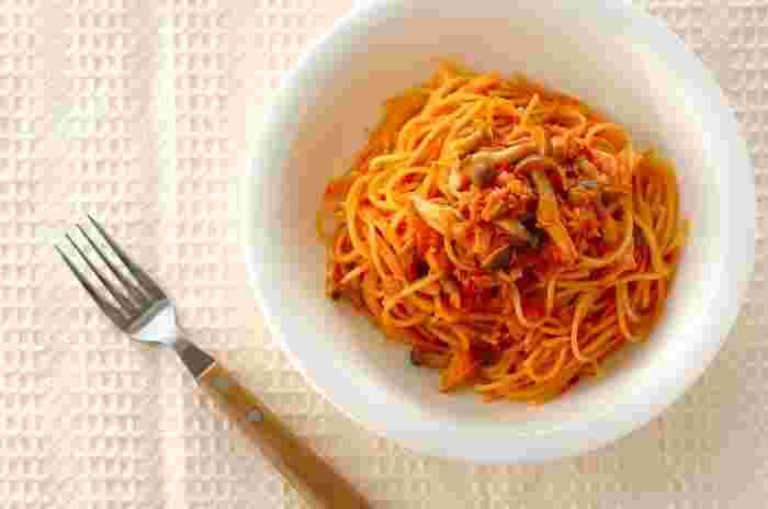 ひとつのお鍋で味つけをしながらパスタを作るワンポットパスタ。具材は基本的になんでもOK!ひき肉やソーセージ、ブロッコリーなどで作っても美味しそうです。