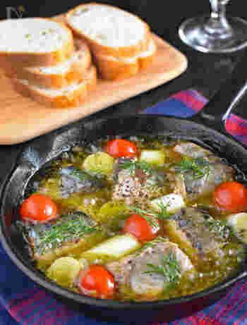 なんと味付けは一切不要のズボラレシピ!ニンニク、長ネギ、プチトマトをオリーブオイルで加熱するだけの簡単で美味しい時短レシピです。薄味の「水煮缶」だから簡単に洋風にアレンジできますよ。スキレットを使えばお洒落に♪