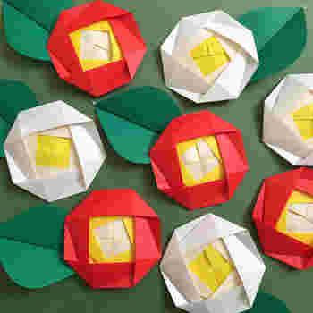 日本らしくて可愛らしいつばきも折り紙で作ると、こんなにキュート。