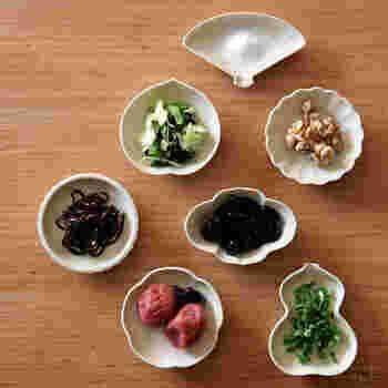 薬味やちょっとしたおかずを入れるのに便利な豆皿。ひょうたんや扇などの形がかわいらしいですね。