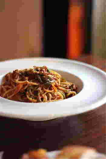 ランチでは「サラダランチ」、パスタ2種から選べる「パスタランチ」、メイン料理の付いた「ロビンソンランチ」があります。どれも1,000円台なので、とってもお得ですよ。