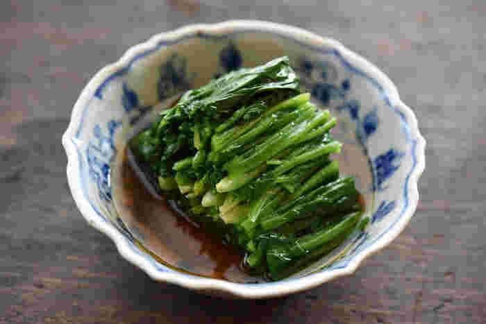 「ほうれん草のおひたし」は、ほうれん草のレシピの中で代表的な定番料理。ほうれん草をゆでた後の急冷をしっかりと忘れずに行いましょう。おいしいおひたしを作ってみてくださいね。