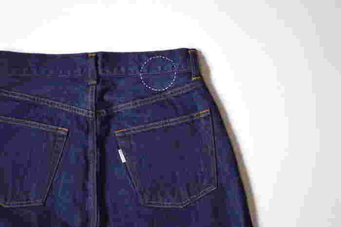 月日を重ねるごとに味わいが増す、自分にとって一生ものとなるジーンズ。「middle」のジーンズはジーンズの産地として世界的に有名な岡山県の児島で作らています。